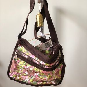 Le Sportsac deluxe everyday bag jungle